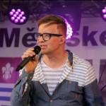 3- Na Městských slavnostech ve Zdicích vystoupil jako hlavní hvězda akce Petr Kotvald- web