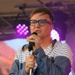4- Na Městských slavnostech ve Zdicích vystoupil jako hlavní hvězda akce Petr Kotvald- web