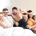 Film Štěstí je krásná věc - A aby toho nebylo málo, dostala do postele i Petra Kotvalda.
